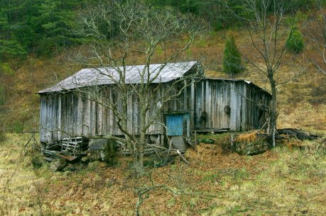 Shack_in_Pigeon_Forge,_TN_by_Zachary_Davies